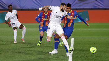 Mirá el golazo de taco y el blooper en el 2-0 parcial del Real Madrid al Barsa