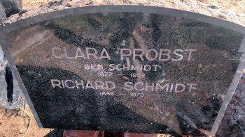 Descubren la lápida de un jerarca Nazi enterrada en una casa de Mar del Sur