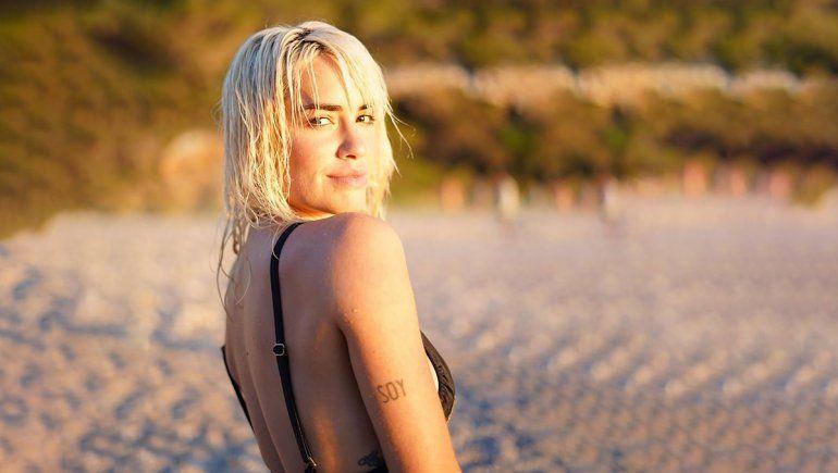 Lali hizo explotar las redes desde las playas de Ibiza