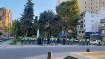 tension: cordon policial espera a manifestantes