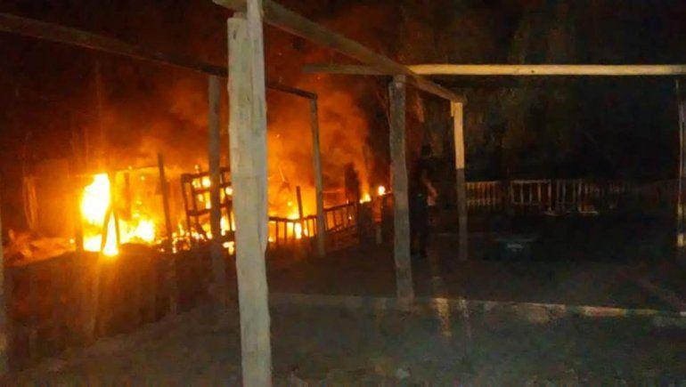Susto: se prendió fuego una casilla en Ferri