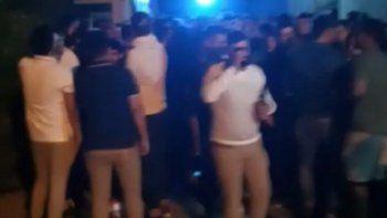 En Viedma hubo 160 personas en una propiedad de calle Mitre.