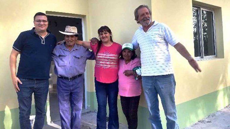 Entregaron casas a los afectados por el incendio en Santa Elena