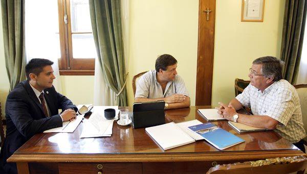El Gobernador formalizó el apoyo a la Regata Internacional del Río Negro