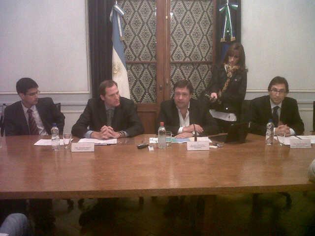 El gobernador presentó el proyecto de Ley de Reforma Tributaria