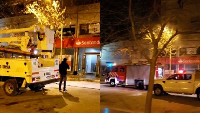 Susto entre vecinos por un incendio en el banco Santander