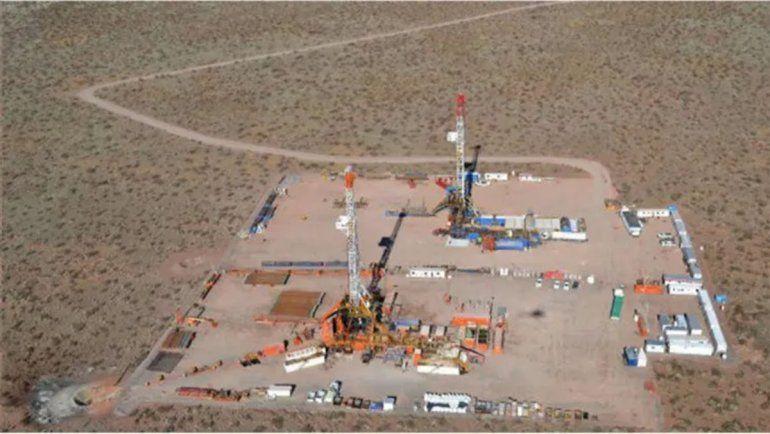 Petroleras ya usan aviones para esquivar los piquetes en Vaca Muerta
