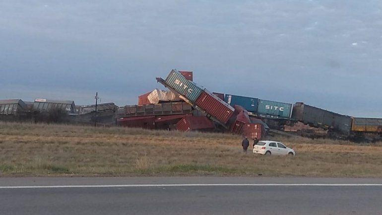 El trem descarrilló cuando iba desde Neuquén con destino final Bahía Blanca.