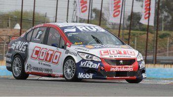 Manu Urcera finalizó segundo en la carrera del Turismo Nacional en Rosario