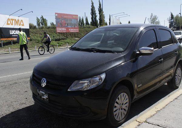 Caminera de Cipolletti secuestró un auto que había sido robado en Avellaneda