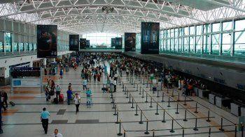 El Gobierno restringirá la cantidad de vuelos internacionales
