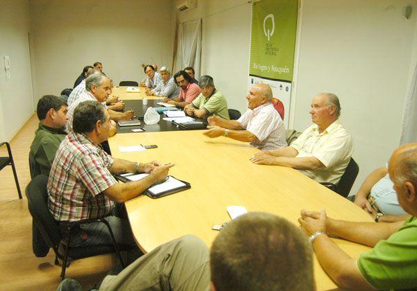 Productores se instalarán en Casa de Gobierno para reunirse con Weretilneck