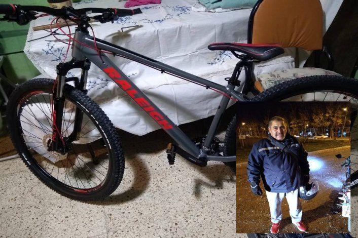 Viral: persiguió a un ladrón hasta sacarle la bici que le había robado a otro vecino