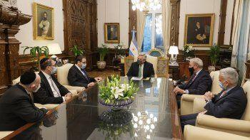 Fernández recibió a la cúpula de la AMIA a días de otro aniversario del atentado