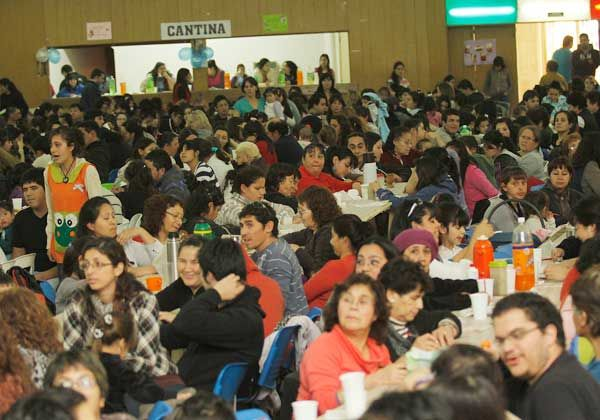 Desbordante bingo solidario para los Centros Infantiles
