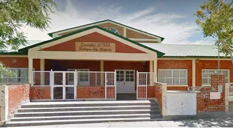Saquearon un colegio y se robaron las netbooks de los chicos