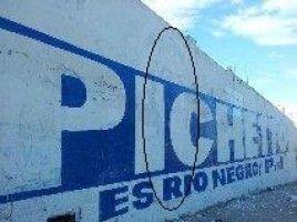 Cartel de Pichetto en Bariloche