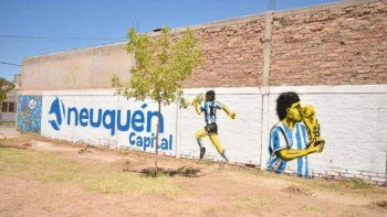 murales en honor a diego se multiplican en el alto valle