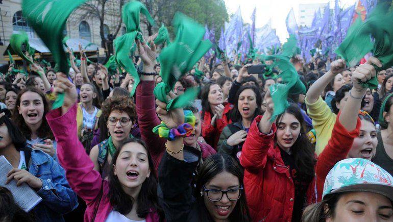 Miles de pañuelos verdes reclamaron por el aborto legal