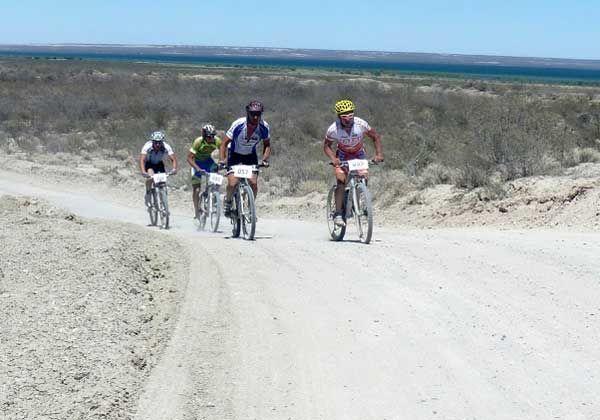 Unos 300 corredores en la Vuelta al Lago