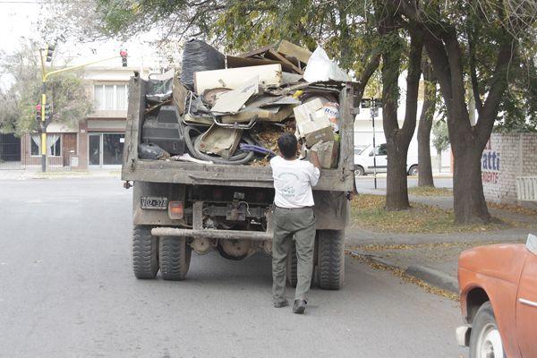 El Municipio recolecta chatarra
