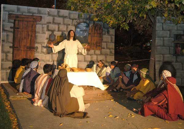 Recordaron a Jesús con un espectáculo en el Paseo de la Familia