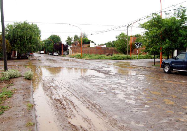 Plantean necesidad de asfalto en Arévalo