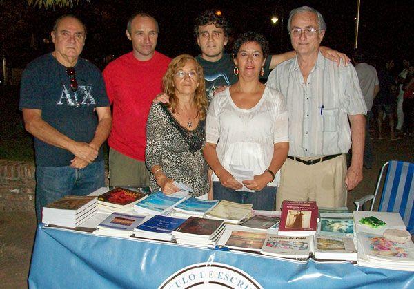 Escritores del Comahue proyectan talleres literarios