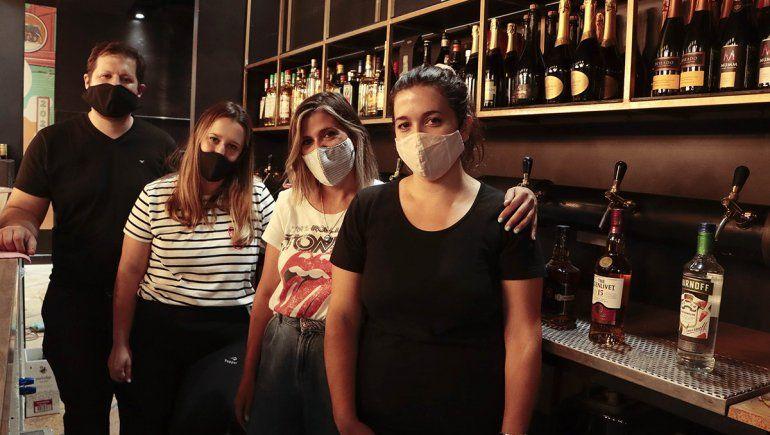 Un grupo de jóvenes mantiene vivo el recuerdo del Bar Cipolletti