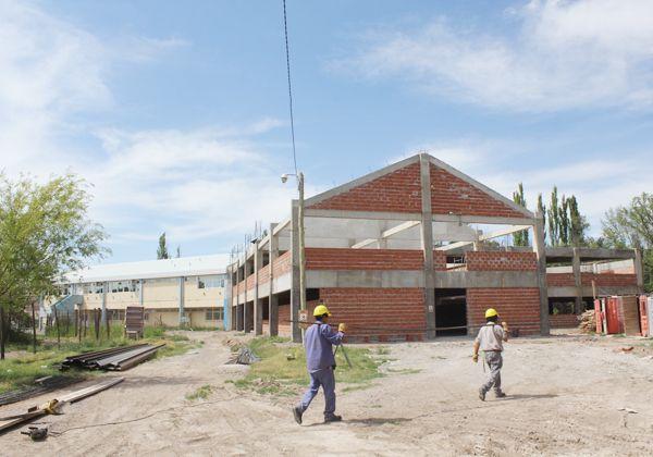 Se reanudaron las obras en la Facultad de Medicina de la UNCo