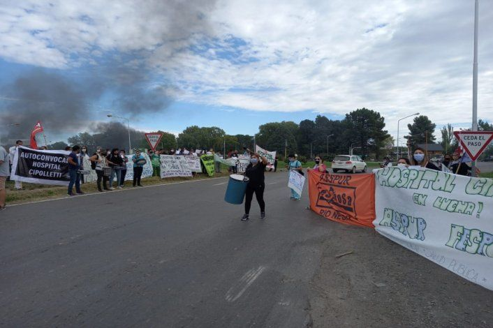 Paro y movilización de los trabajadores de Salud cerca del puente