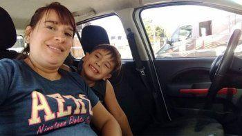 Una mujer embarazada de mellizos murió por COVID