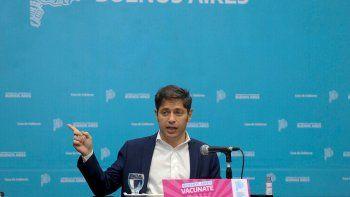 Tras las críticas de la oposición, Kicillof defendió los viajes de egresados gratis
