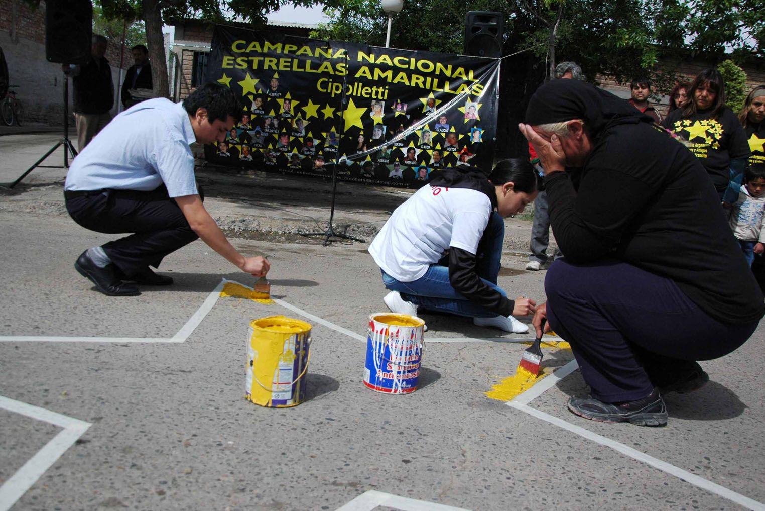 Pintaron una estrella amarilla en memora de Micael Iván Matías
