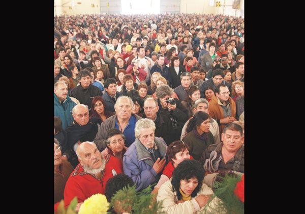 Miles de fieles fueron a Chimpay