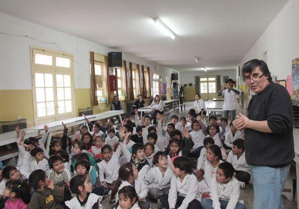 Promueven la lectura en las escuelas primarias