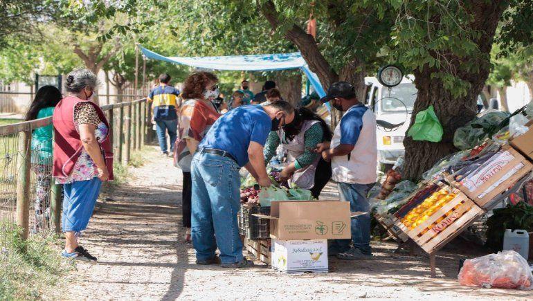 Hay polémica por la decisión del Municipio de trasladar la feria de la plaza del Don Bosco a las 1200 Viviendas.