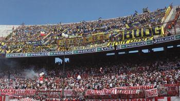 ¿Vuelven los visitantes al fútbol argentino?