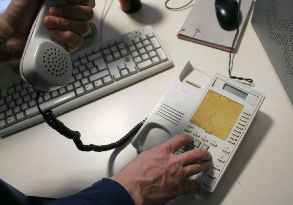 Muchos problemas por una falla en sistema de comunicaciones telefónicas