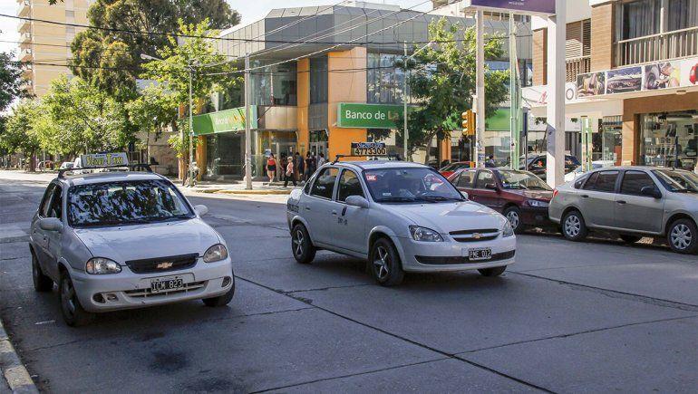 Taxis: habrá nueva tarifa en mayo