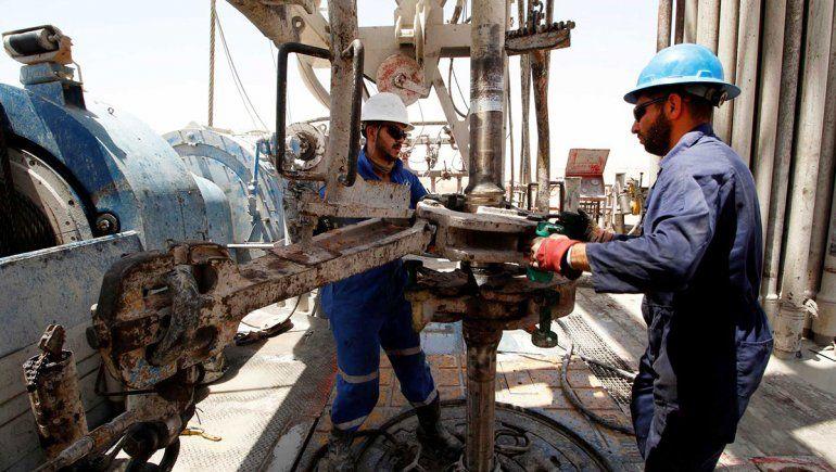 Petroleros: vuelven a negociar los sueldos de 25.000 trabajadores