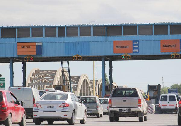 No cobrarán más peaje en los puentes