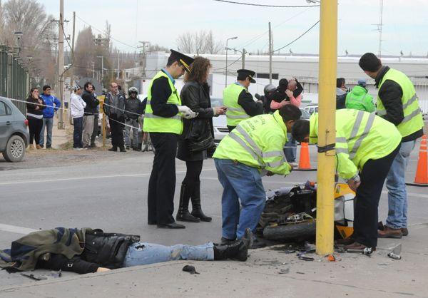 Motociclista murió atropellada