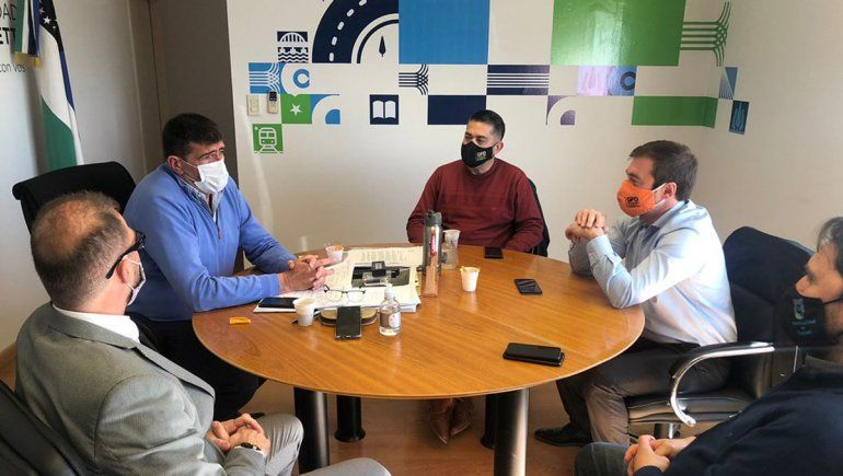 Di Tella y Lavín analizan avances en la obra de pavimentación de Maestro Espinosa