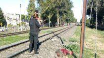 femicidio: arrojo a su pareja a las vias del tren y murio