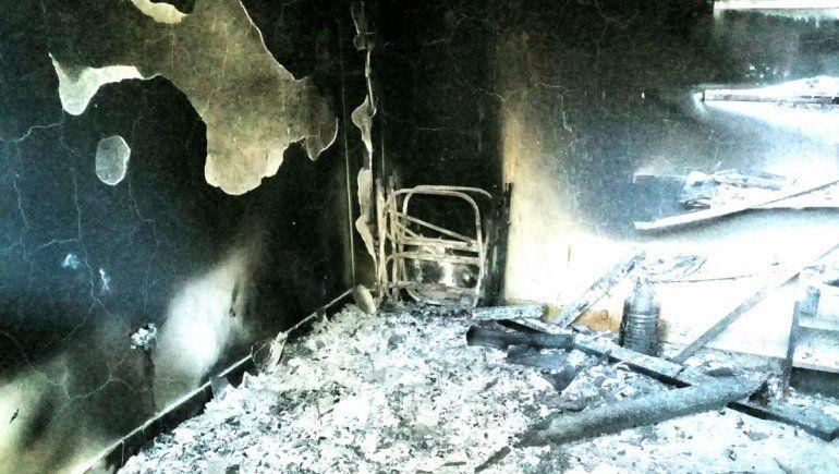 Sigue la violencia en Villa Mascardi: otra cabaña incendiada