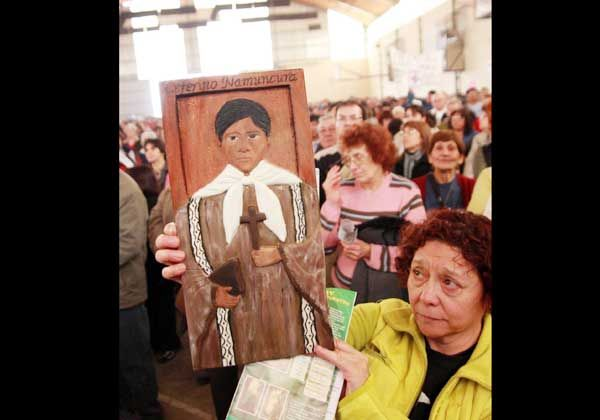 Ceferino congrega a miles de files en Chimpay
