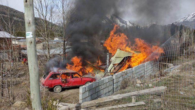 Le incendiaron la casa al presunto abusador de una nena