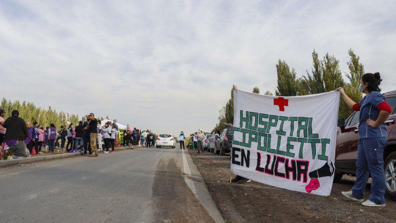 Trabajadores de salud siguen en lucha y van a los puentes carreteros