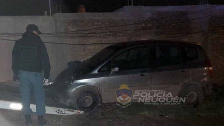 Robaron un auto en Cipolletti y lo encontraron abandonado en Neuquén